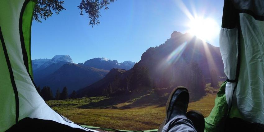 Colchón inflable en camping