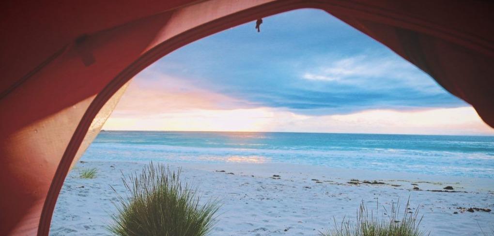 Acampar junto al mar